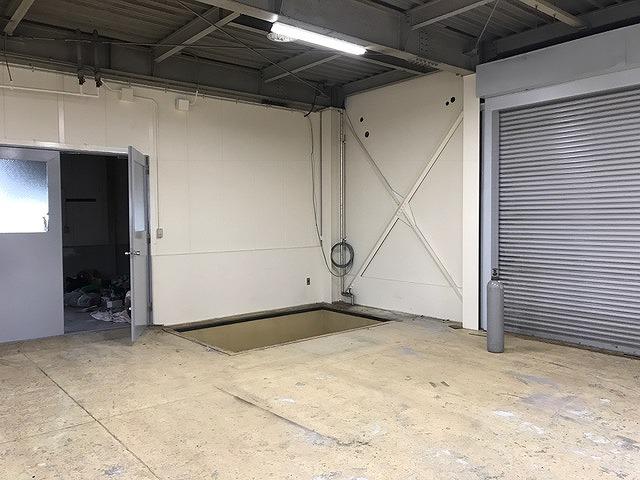 垂直搬送機設置工事施工前
