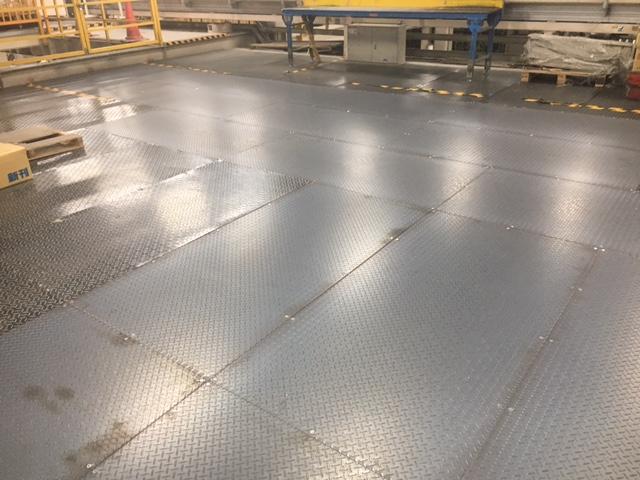 鉄板交換工事