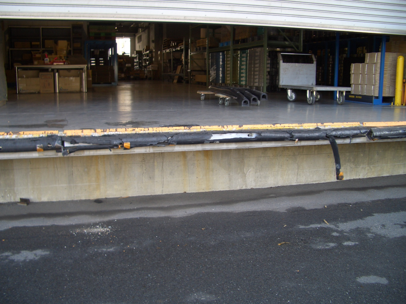 D型プロテクター設置工事施工前