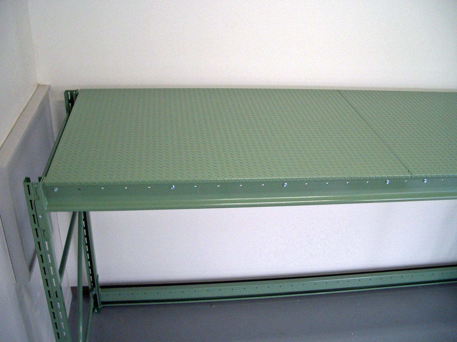 パレットラック用コ型鉄板(縞鋼板仕様)