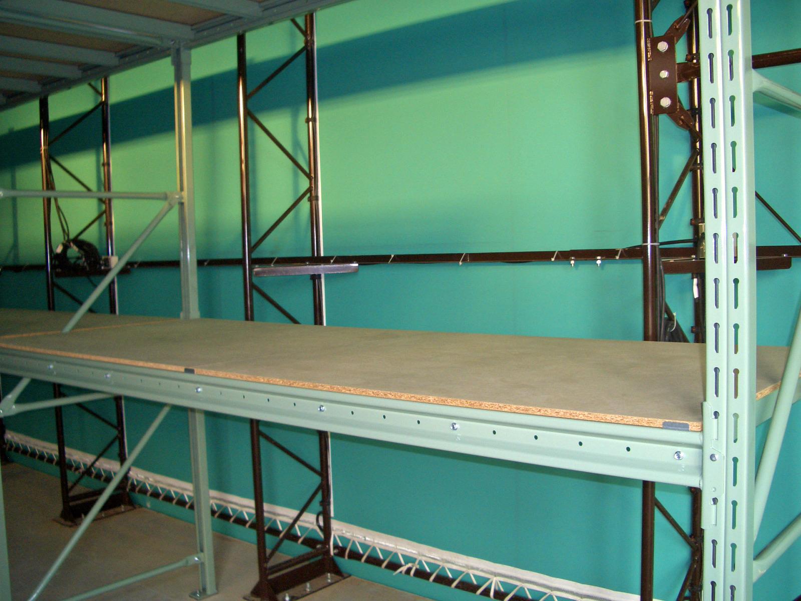 パレットラック(棚板パーチクルボード仕様)