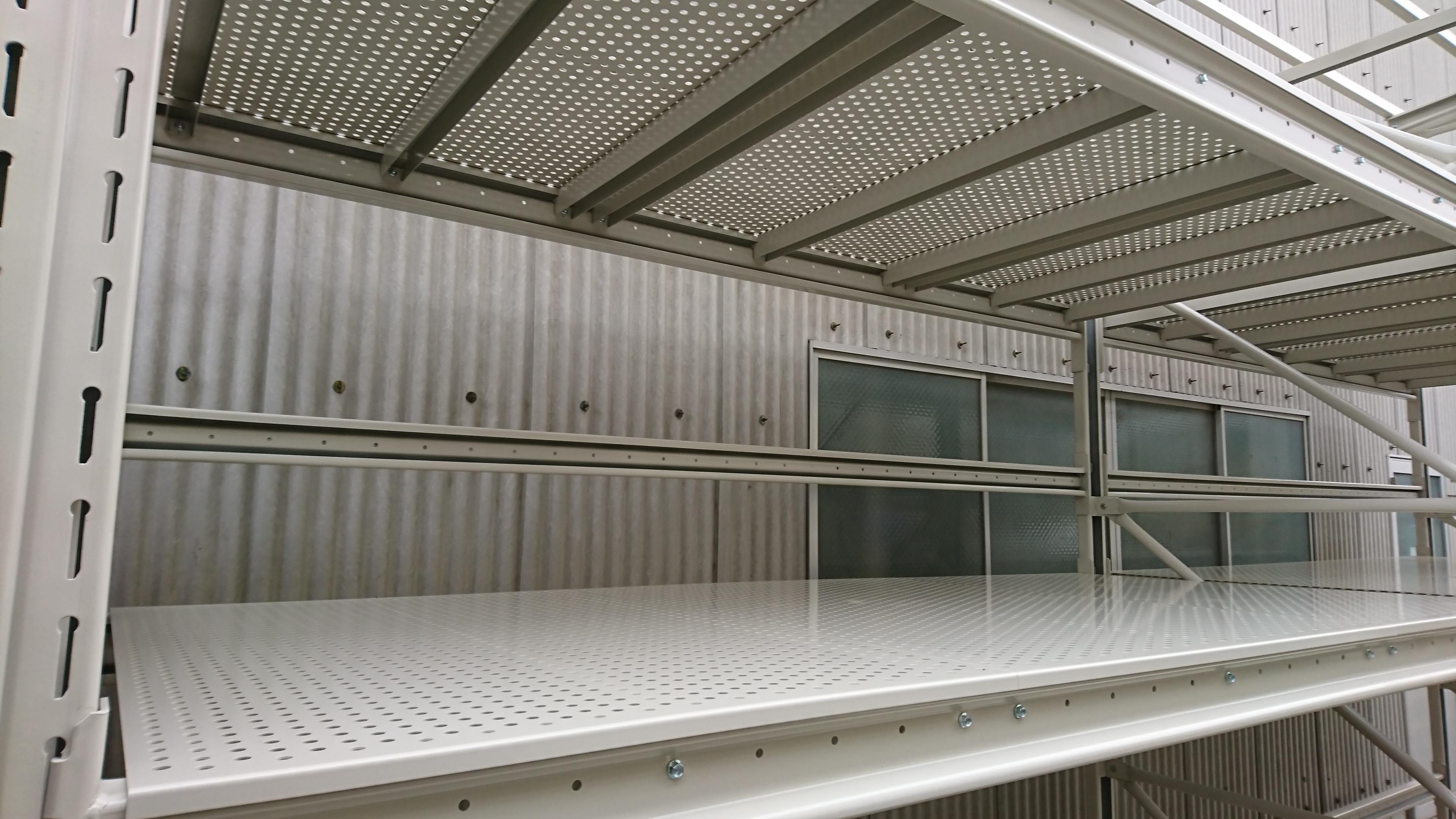 パレットラック用棚板(パンチング仕様)
